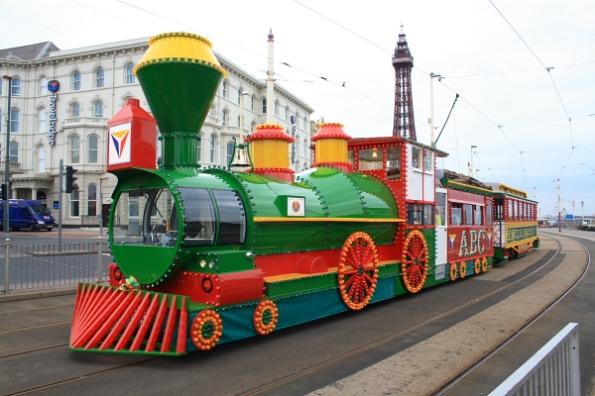 Wild west loco tram